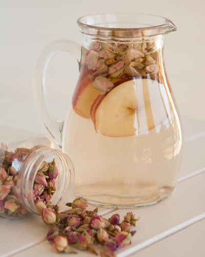 rosy apple tisane