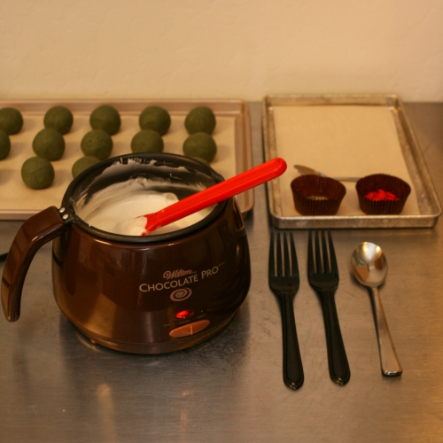 matcha cake truffles dipping