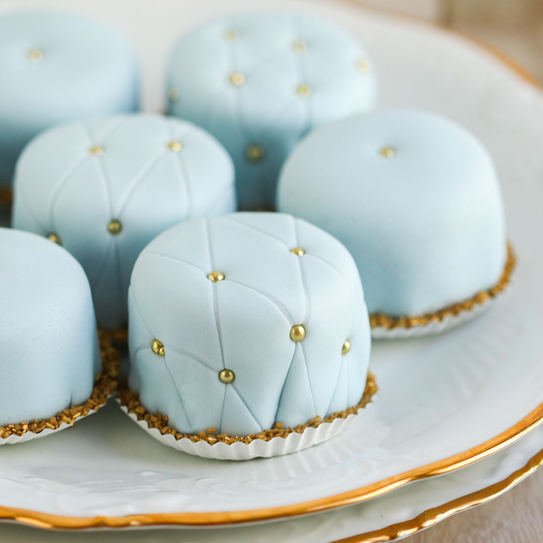 petit fours – Thirsty for Tea